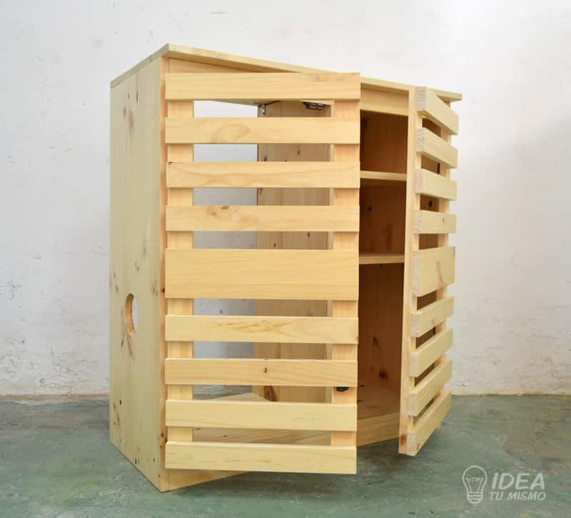Mueble de madera idea tu mismo for Cerraduras para muebles de madera