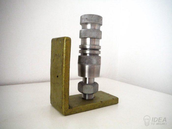 Sujetalibros-industrial